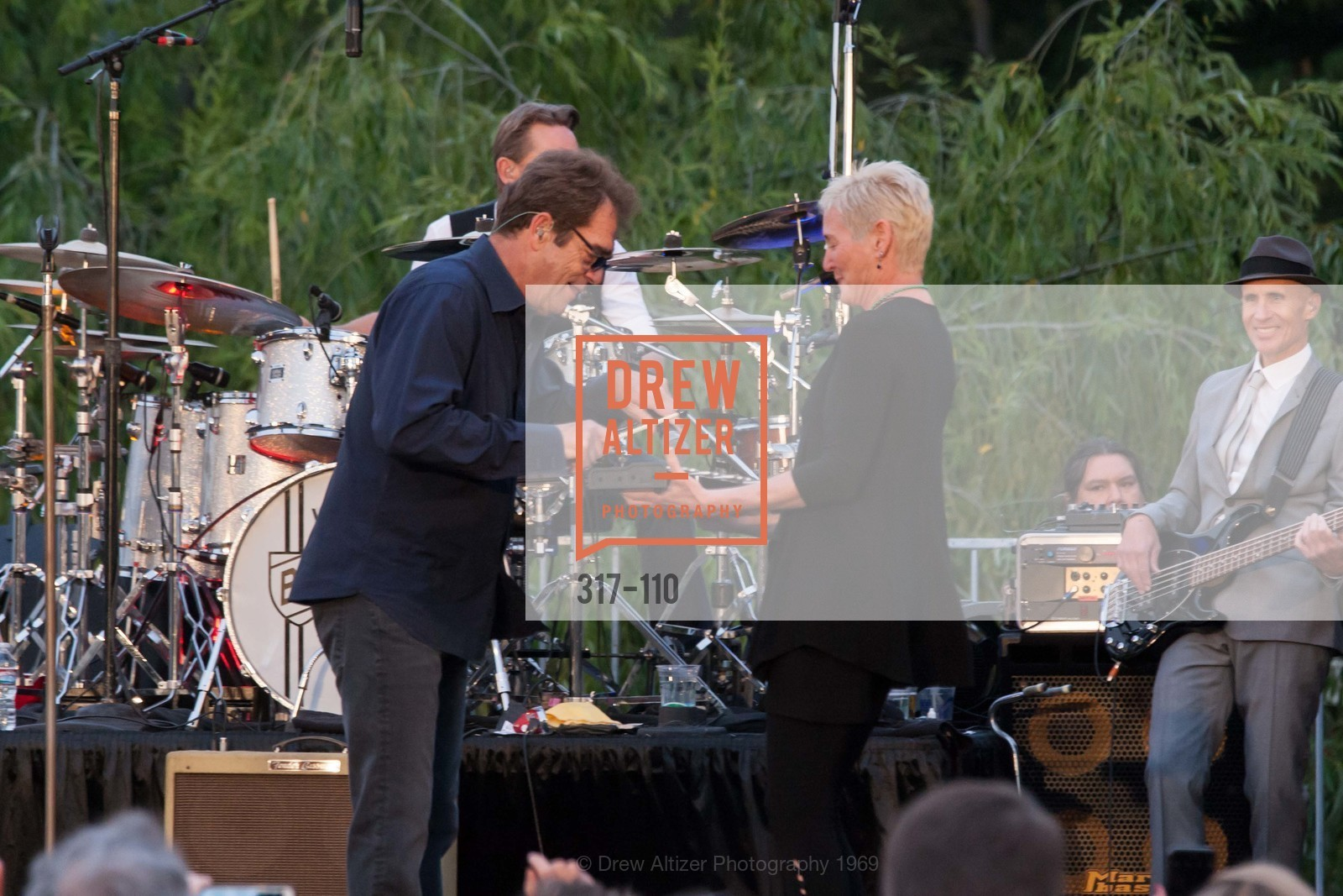 Huey Lewis, Cynthia Woods, LYME AID 2015 Benefiting the Bay Area Lyme Foundation, Private Residence, May 16th, 2015,Drew Altizer, Drew Altizer Photography, full-service event agency, private events, San Francisco photographer, photographer California
