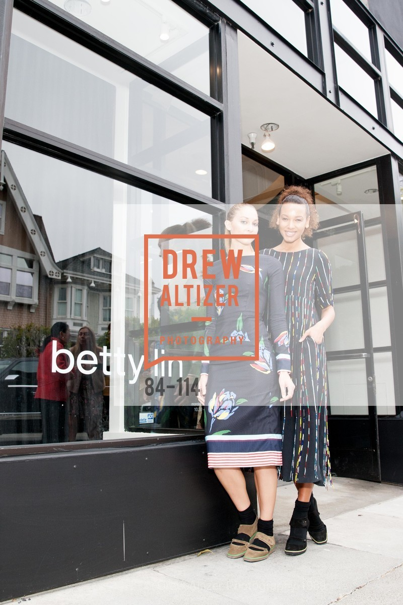 Whitney Heleker, Eirinie Carson, Betty Lin Store Opening Party, Betty Lin. 3625 Sacramento Street, May 19th, 2015,Drew Altizer, Drew Altizer Photography, full-service agency, private events, San Francisco photographer, photographer california