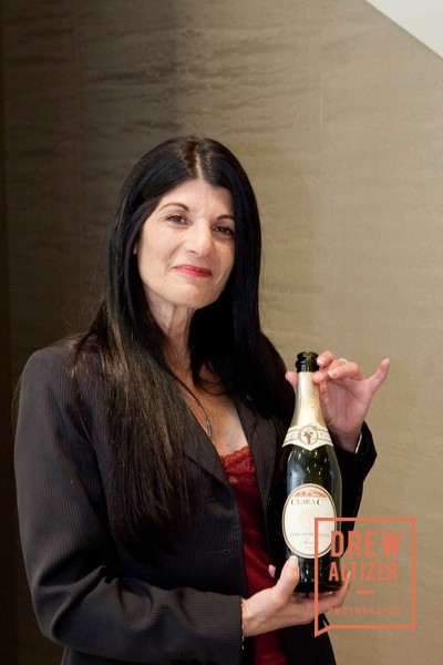 25329af99dfe Saks Vivanista Wine