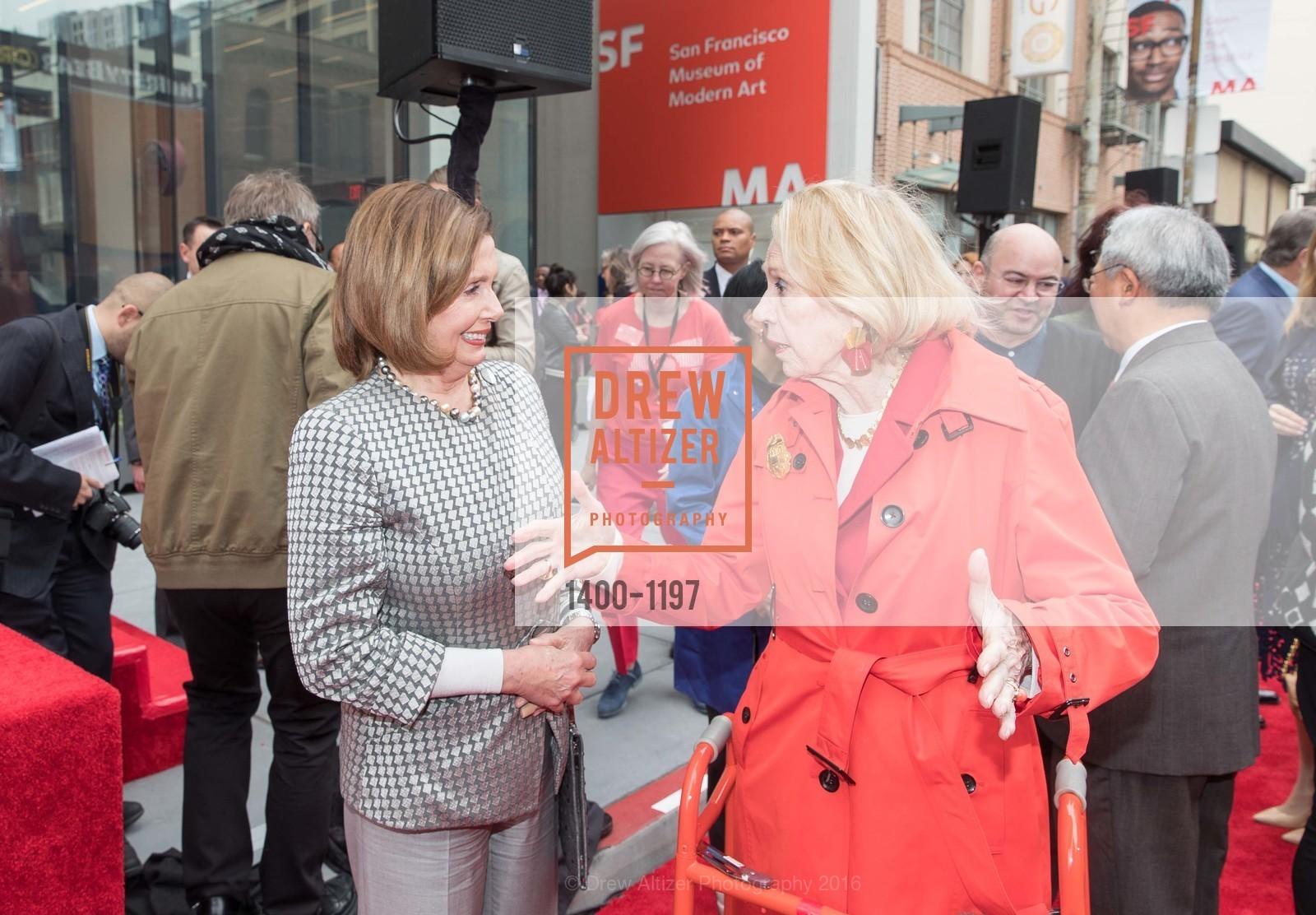 Nancy Pelosi, Charlotte Shultz, Photo #1400-1197