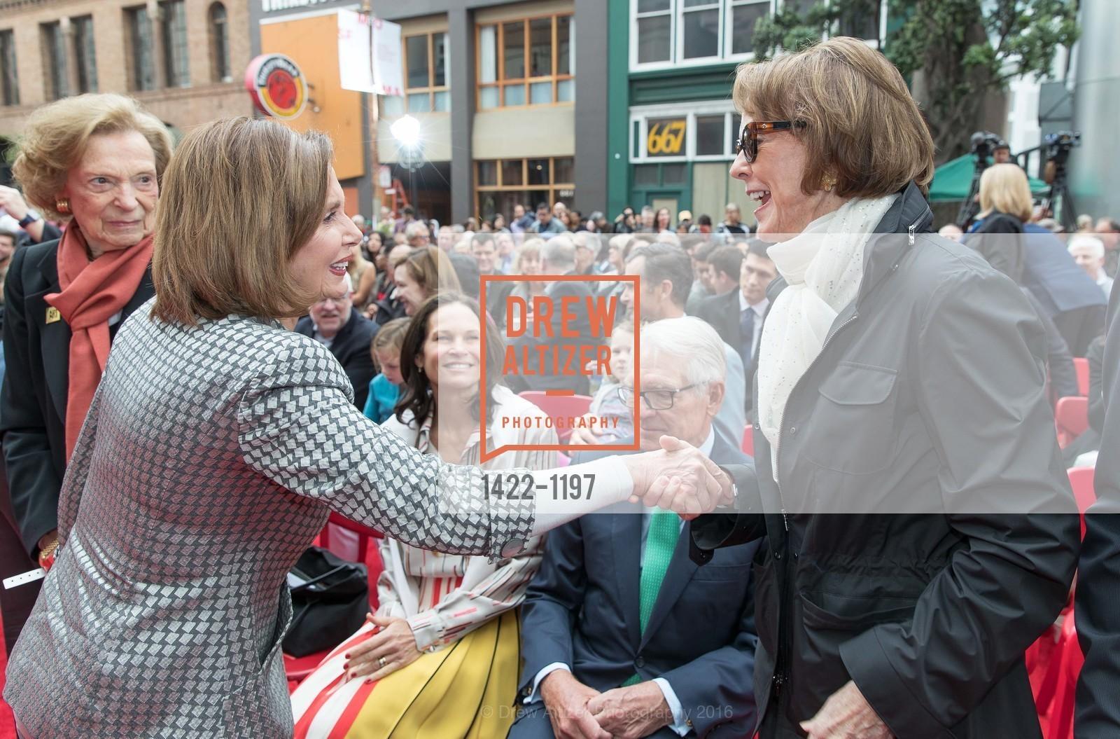 Nancy Pelosi, Charles Schwab, Helen Schwab, Photo #1422-1197