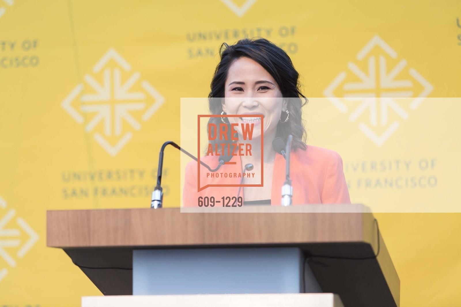 Vicky Nguyen, Photo #609-1229