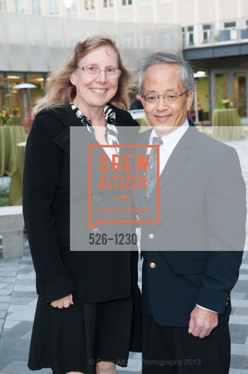 Mary Gong, Wayne Gong, Photo #526-1230