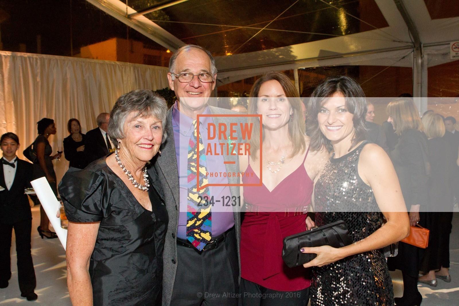 Claudia Salquist, Roger Salquist, Kathleen Thompson, Monica Salquist, Photo #234-1231