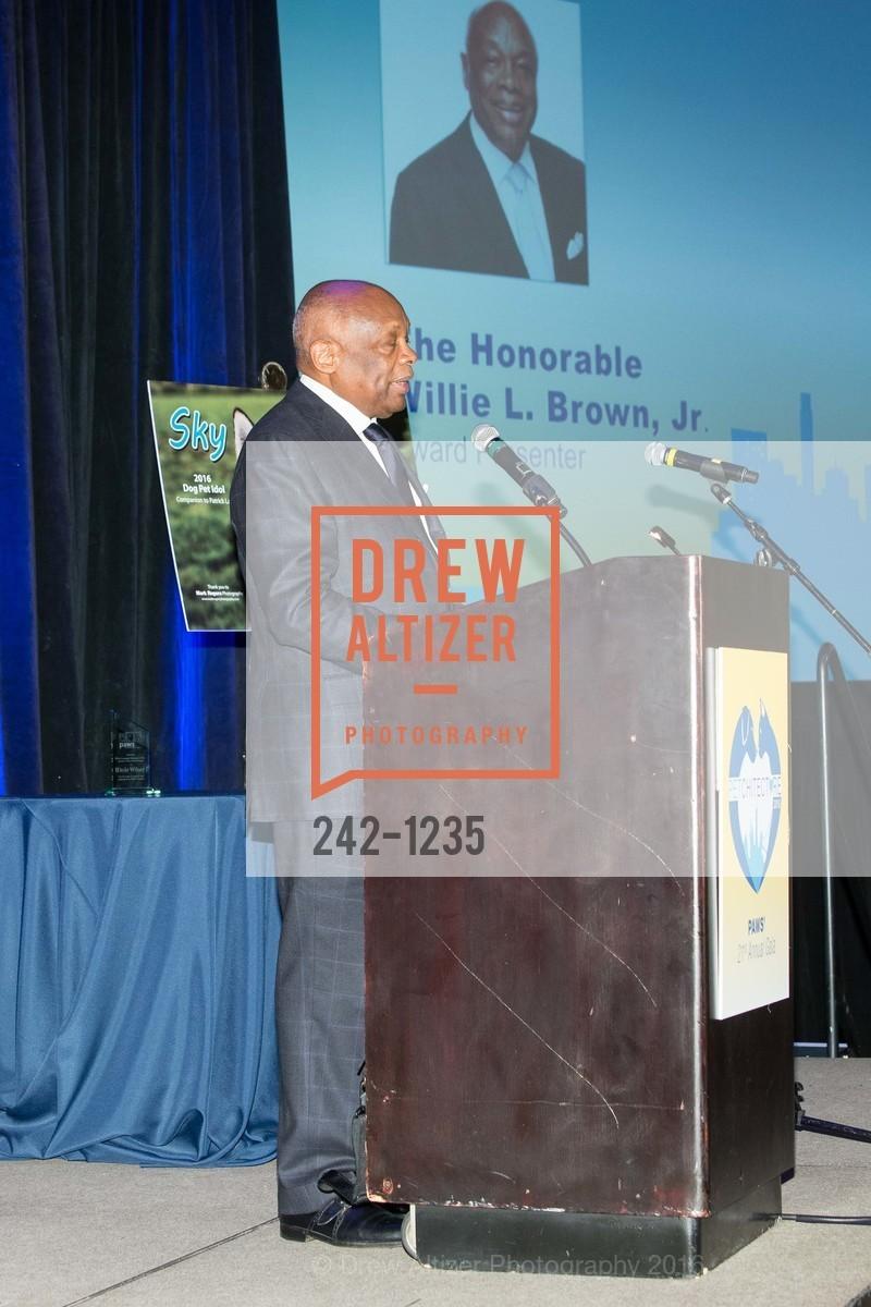 Willie Brown, Photo #242-1235