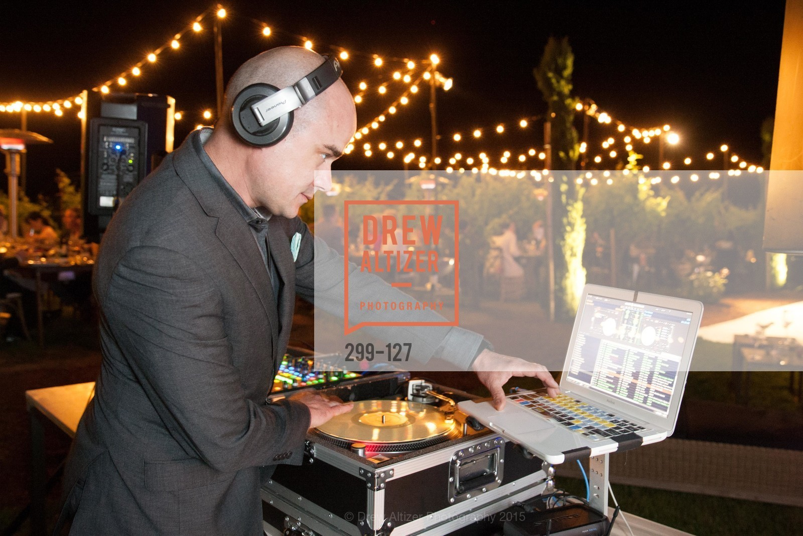 DJ Mike Mason, An Evening in the Vineyard hosted by JACK CALHOUN & TRENT NORRIS, Jack Calhoun & Trent Norris Vineyard. 3393 Dry Creek Road, Healdsburg CA 95448, May 22nd, 2015,Drew Altizer, Drew Altizer Photography, full-service agency, private events, San Francisco photographer, photographer california