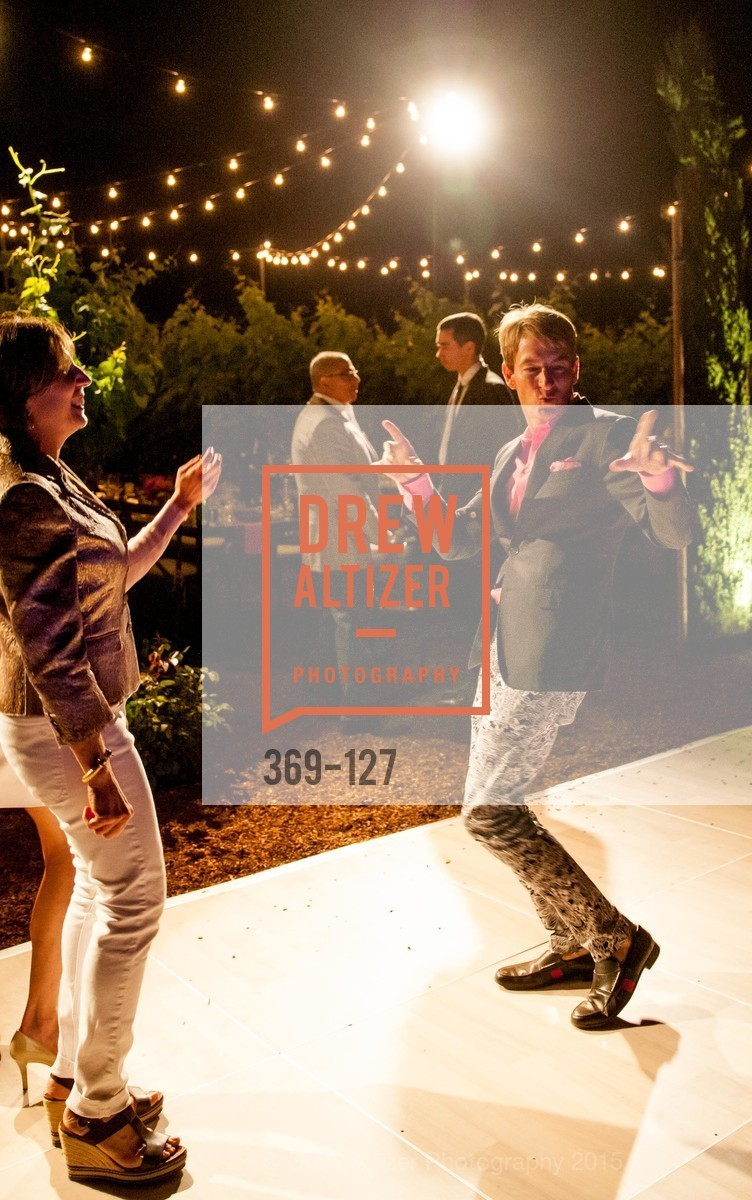 Dance Floor, An Evening in the Vineyard hosted by JACK CALHOUN & TRENT NORRIS, Jack Calhoun & Trent Norris Vineyard. 3393 Dry Creek Road, Healdsburg CA 95448, May 22nd, 2015,Drew Altizer, Drew Altizer Photography, full-service event agency, private events, San Francisco photographer, photographer California
