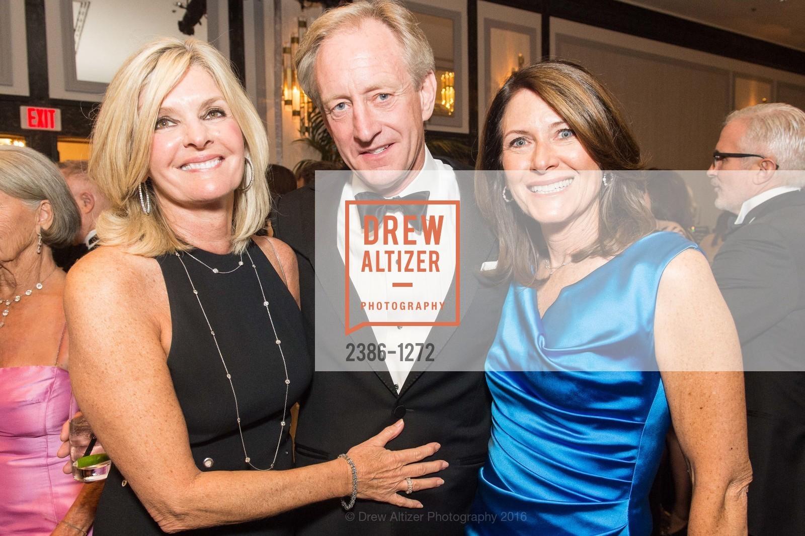 Tammy Mobley, Kurt Moblehy, Rita Daly, Photo #2386-1272