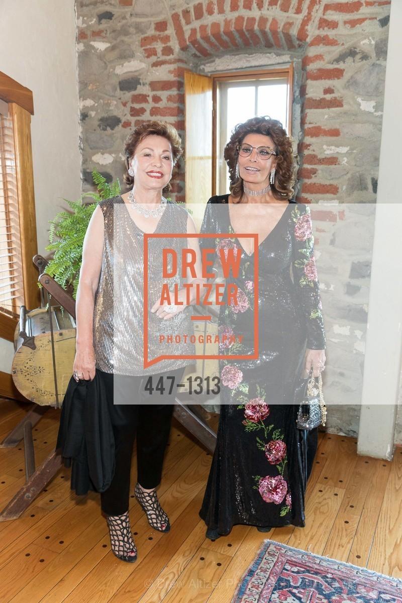 Maria Manetti Shrem, Sophia Loren, Photo #447-1313