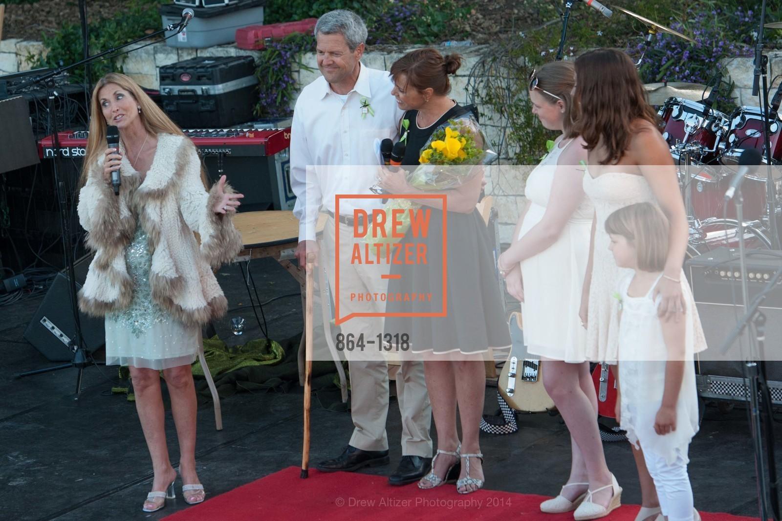 Shelley Cagan, Scott Athearn, Camille Athearn, Isabella Athearn, Bronte Athearn, Abby Athearn, Photo #864-1318