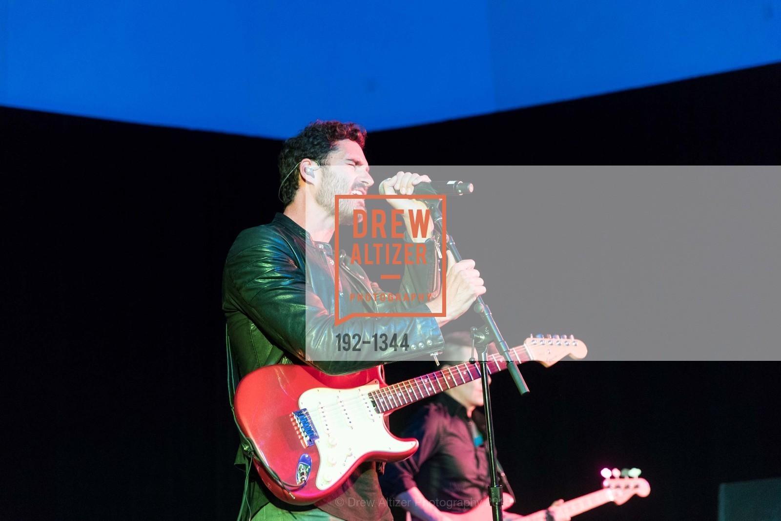 Performance, Photo #192-1344