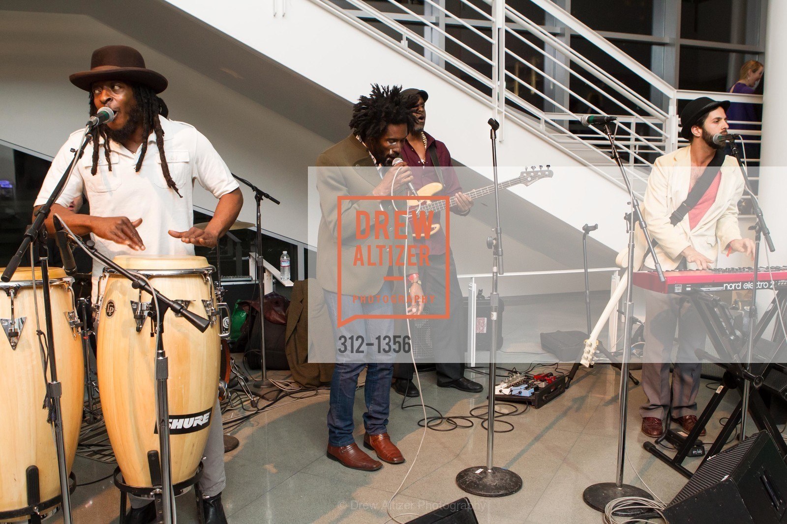 Performance, Photo #312-1356