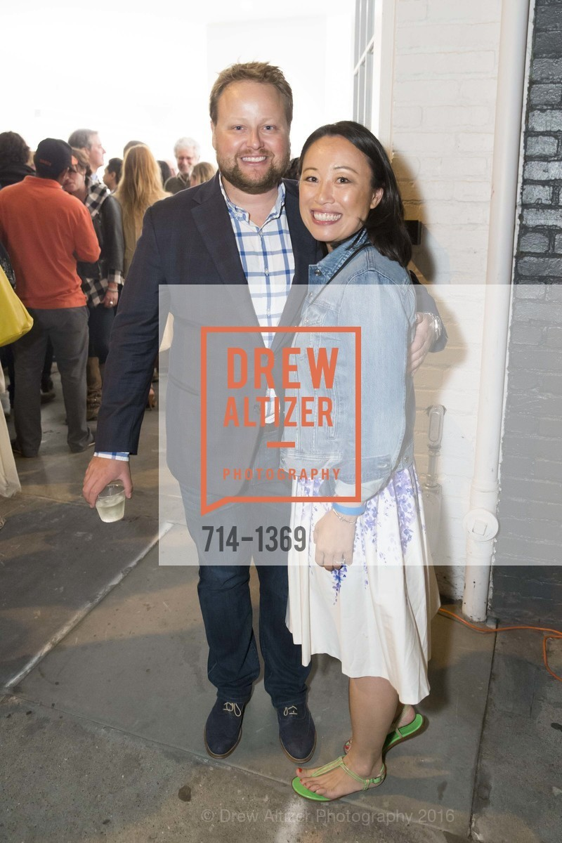 Doug Bend, Joanne Zhong, Photo #714-1369