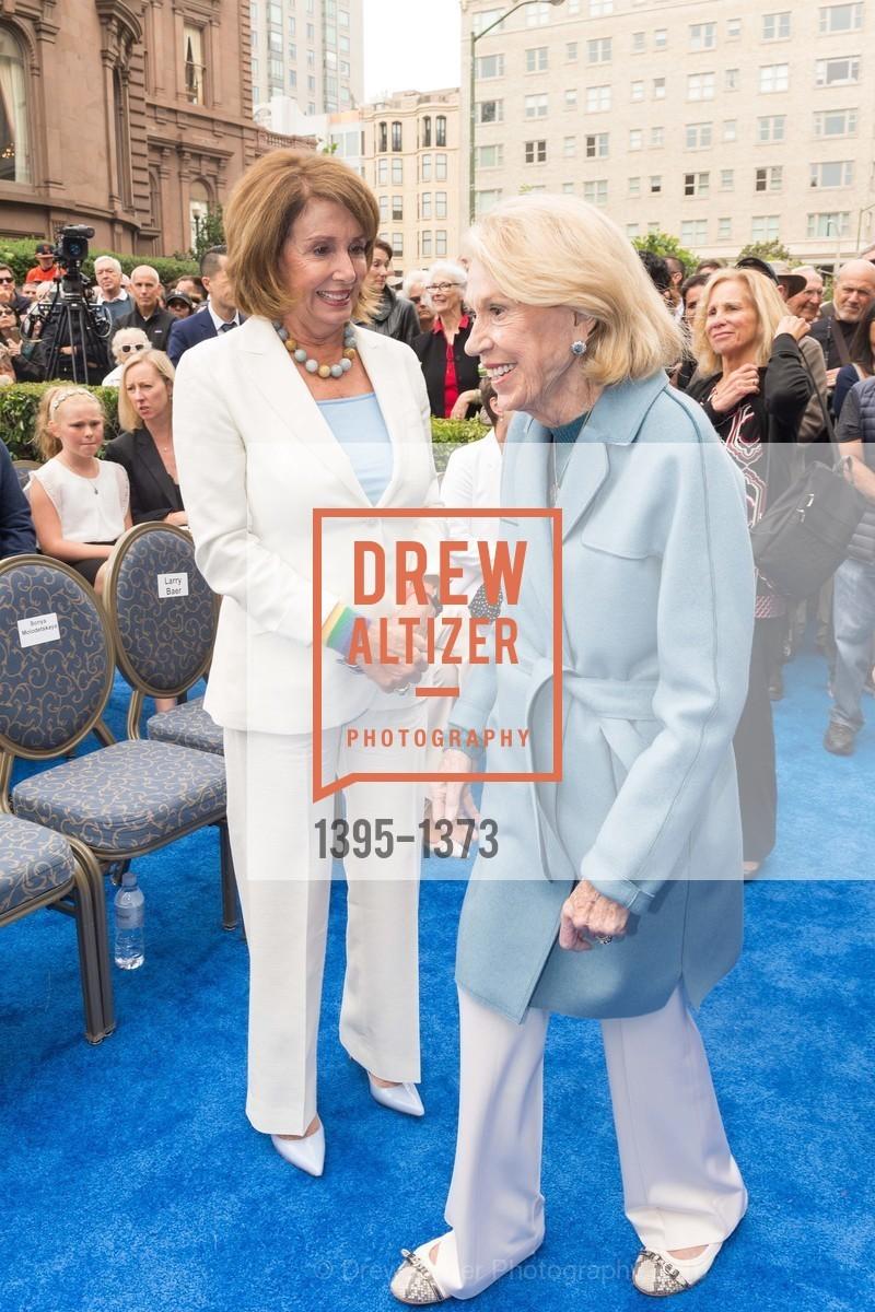 Nancy Pelosi, Charlotte Shultz, Photo #1395-1373