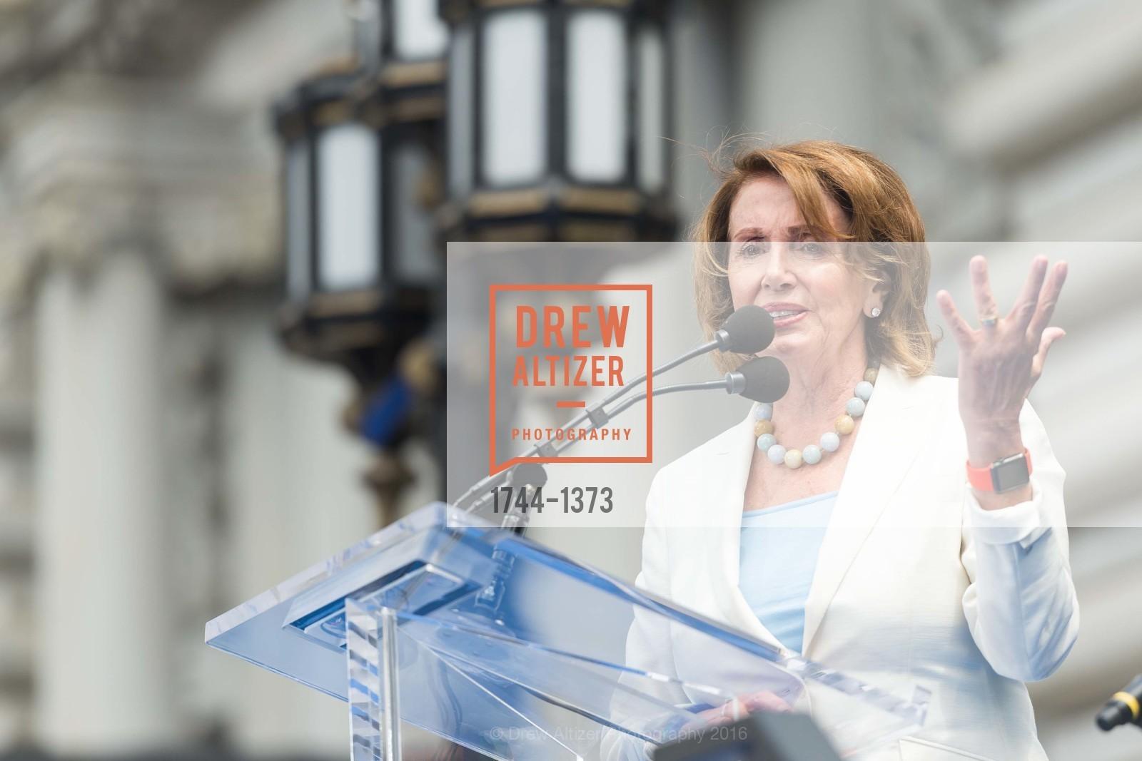 Nancy Pelosi, Photo #1744-1373