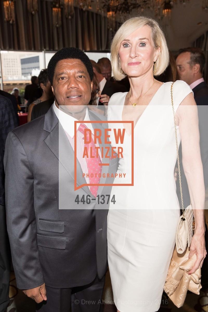 Lloyd Dean, Suzanne Dean, Photo #446-1374