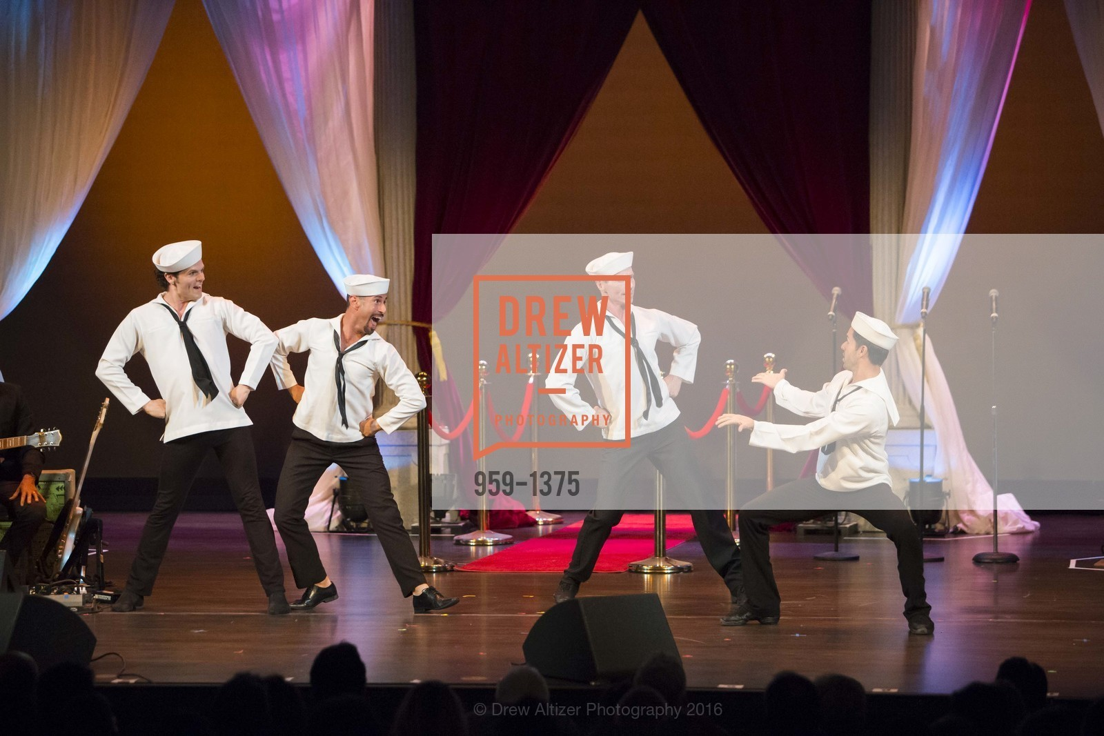 Performance, Photo #959-1375