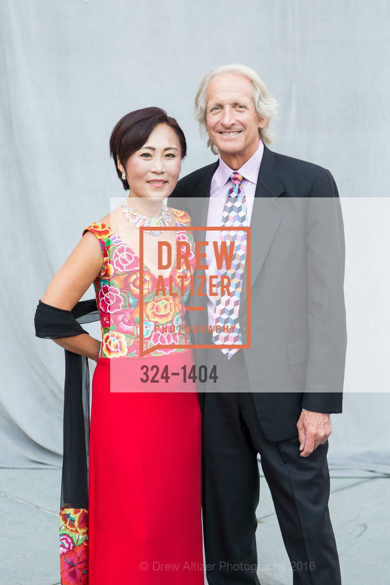 Kyung Yoon, Wayne Snyder, Photo #324-1404