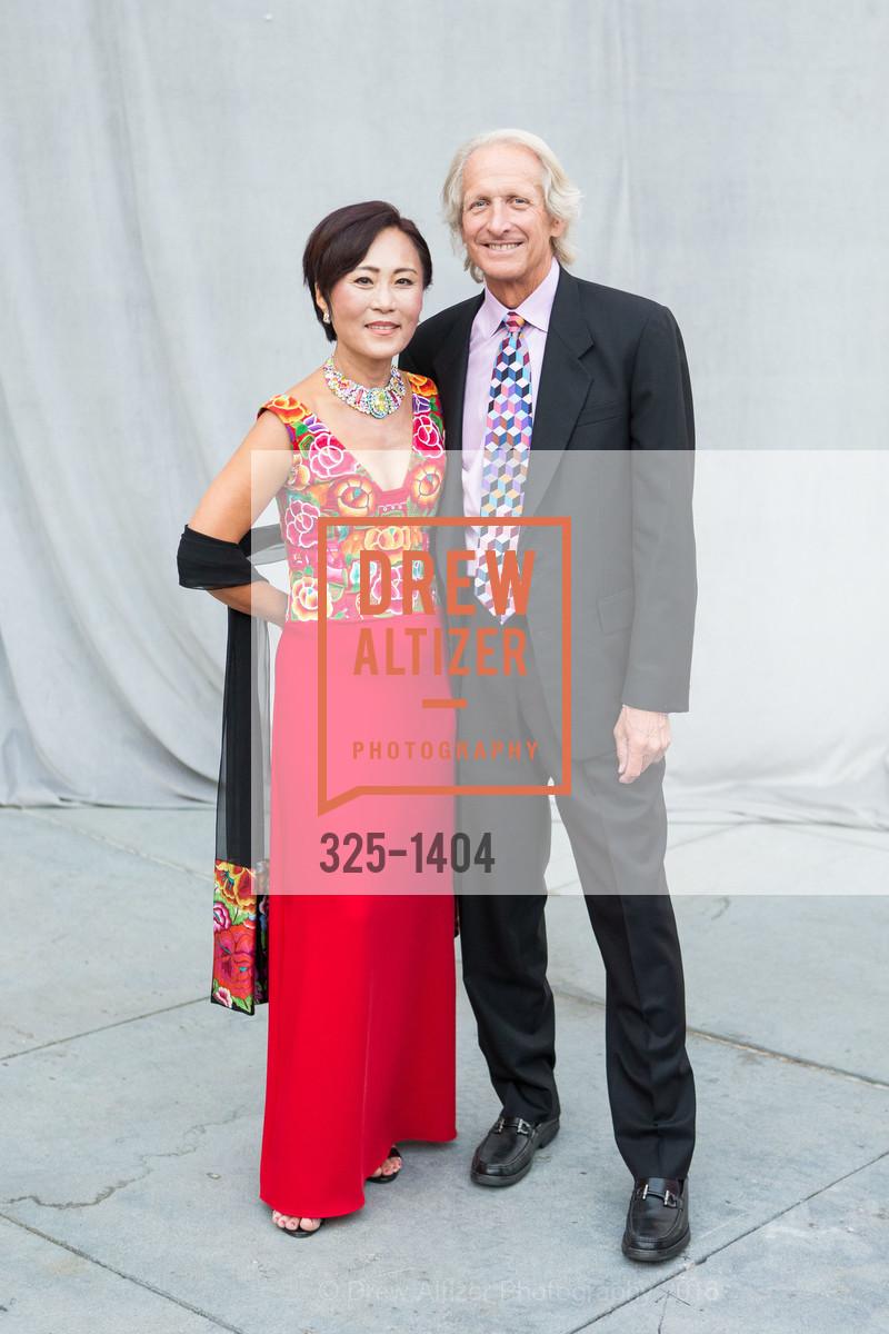 Kyung Yoon, Wayne Snyder, Photo #325-1404