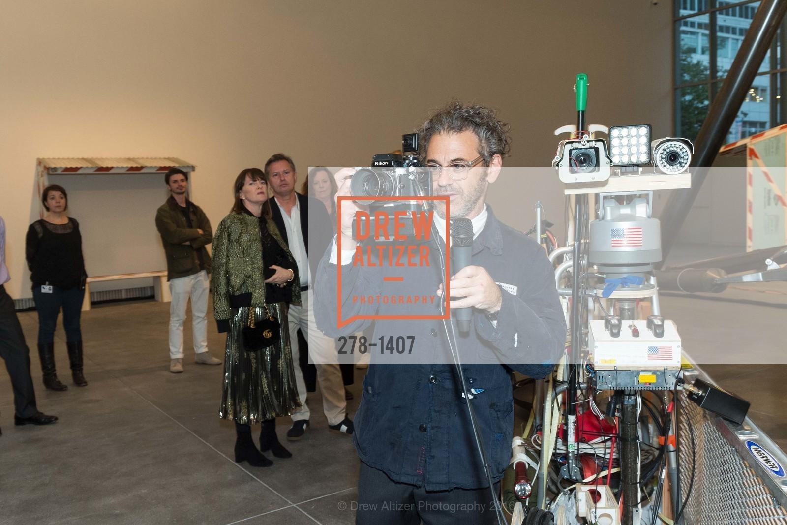 Tom Sachs, Photo #278-1407