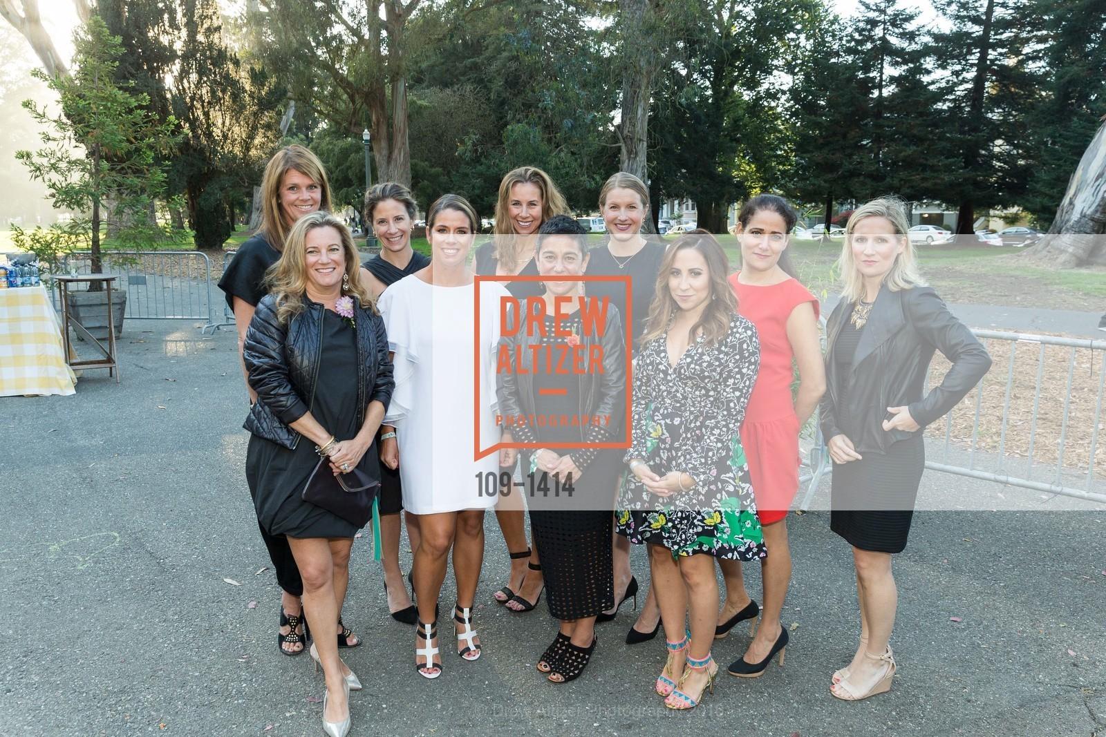 Christine Gardner, Sophie Hayward, Gina Eggert, Caroline Brinckerhoff, Martine Krumholz, Katie Khasigian, Carolyn Edwards, Liz Farrell, Emily Ginsburg, Mather Martin, Photo #109-1414
