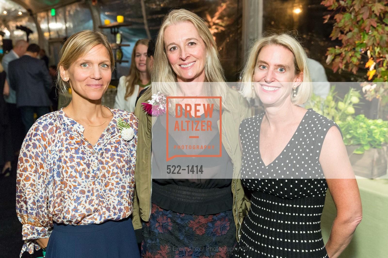 Leith Barry, Tricia Sellmann, Meg Kingsland, Photo #522-1414
