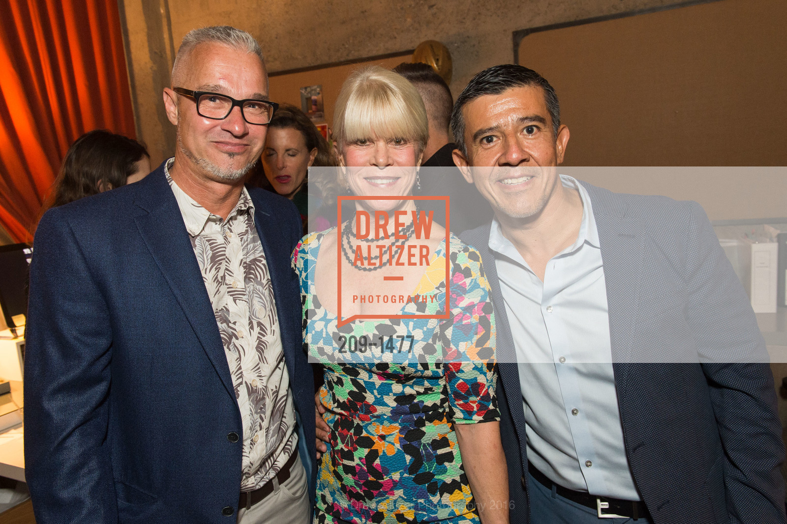 Willem Racke, Susan Chastain, Alberto Trejo, Photo #209-1477