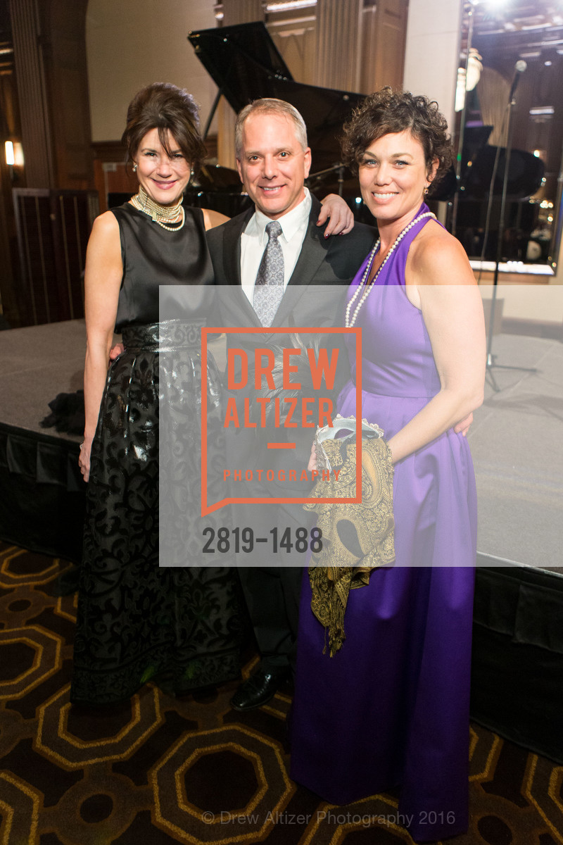Elaine Mellis, Rob Mancuso, Dana Lewis, Photo #2819-1488