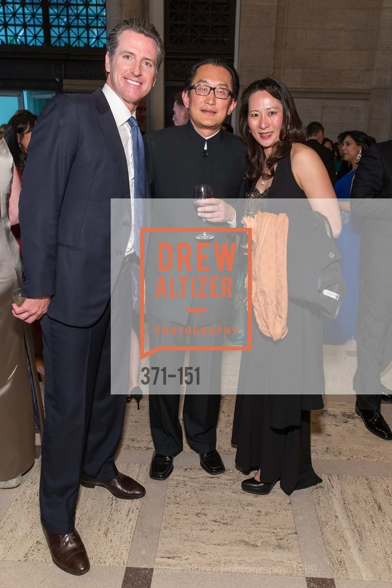 Gavin Newsom, Anton Qiu, Carina Qiu, Asian Art Museum 28 Chinese Opening Night Gala, Asian Art Museum. 200 Larkin St, June 2nd, 2015,Drew Altizer, Drew Altizer Photography, full-service agency, private events, San Francisco photographer, photographer california