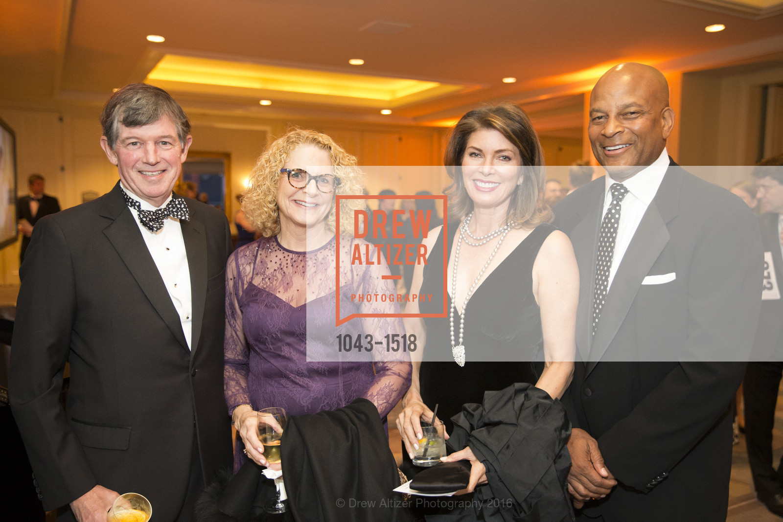 Tony Earley, Sara Earley, Karen Collmer Lott, Ronnie Lott, Photo #1043-1518
