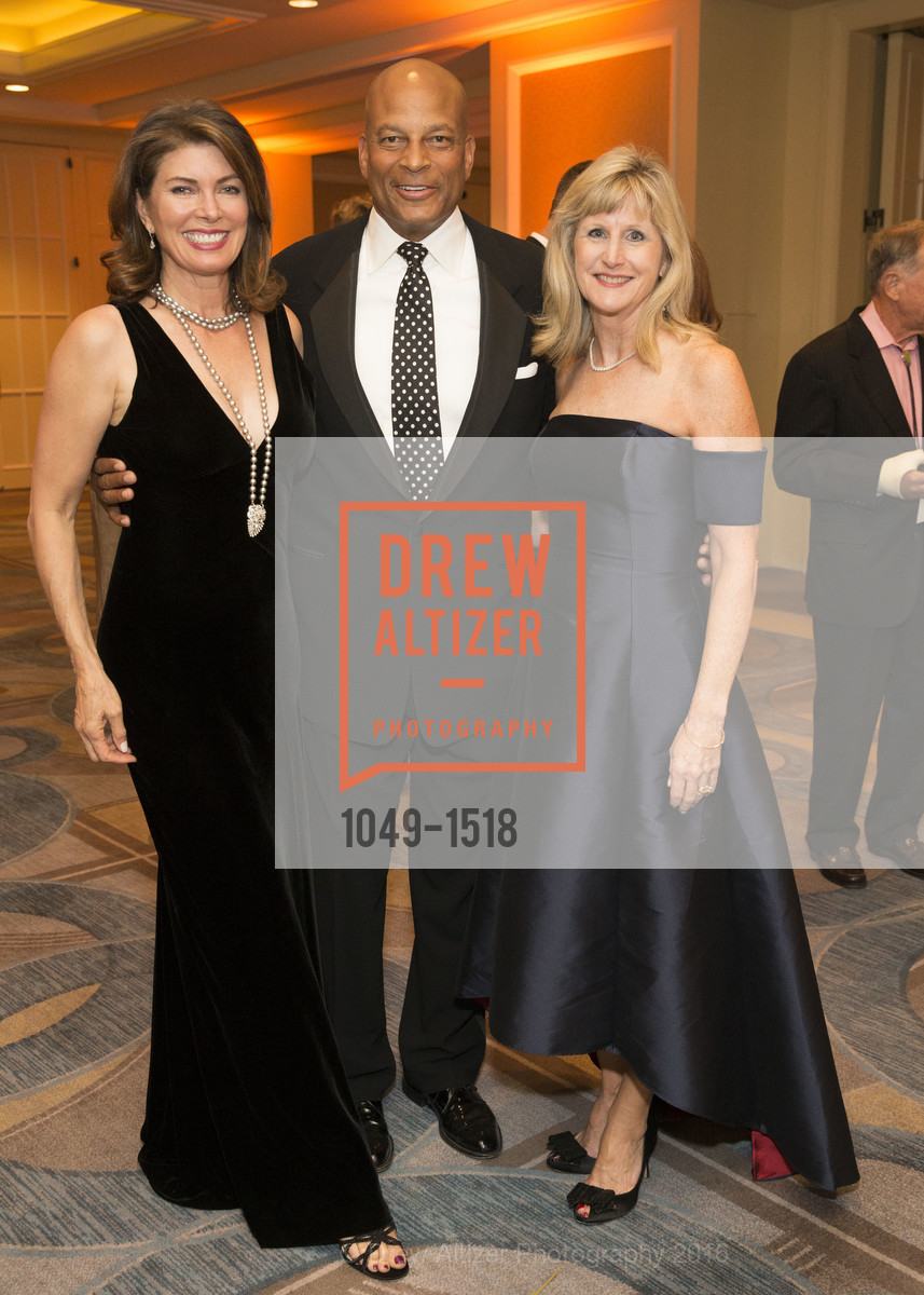 Karen Collmer Lott, Ronnie Lott, Marion McGovern, Photo #1049-1518