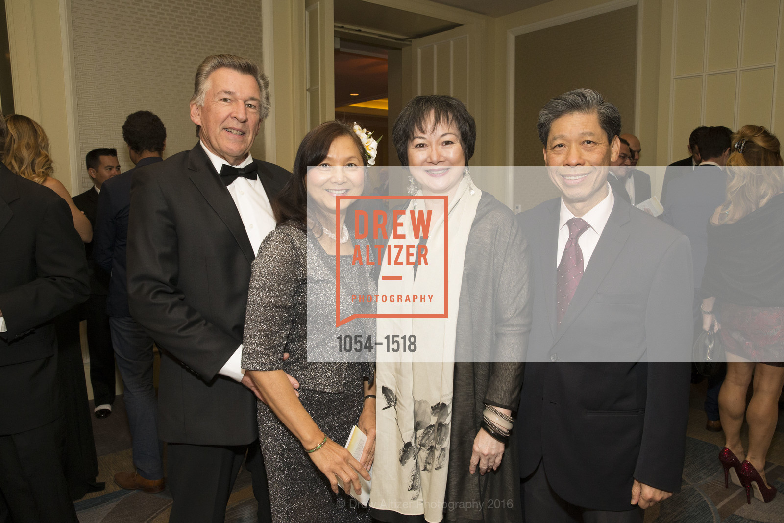 Brett Olsen, Lynne ?, Ken Lim, Photo #1054-1518