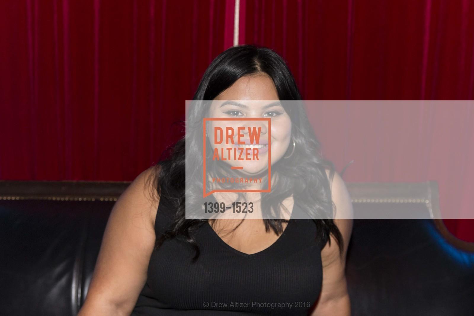 Ariela Neckritz, Photo #1399-1523