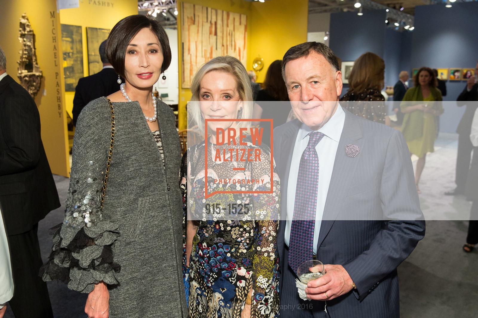 Yurie Pascarella, Barbara Brown, Carl Pascarella, Photo #915-1525