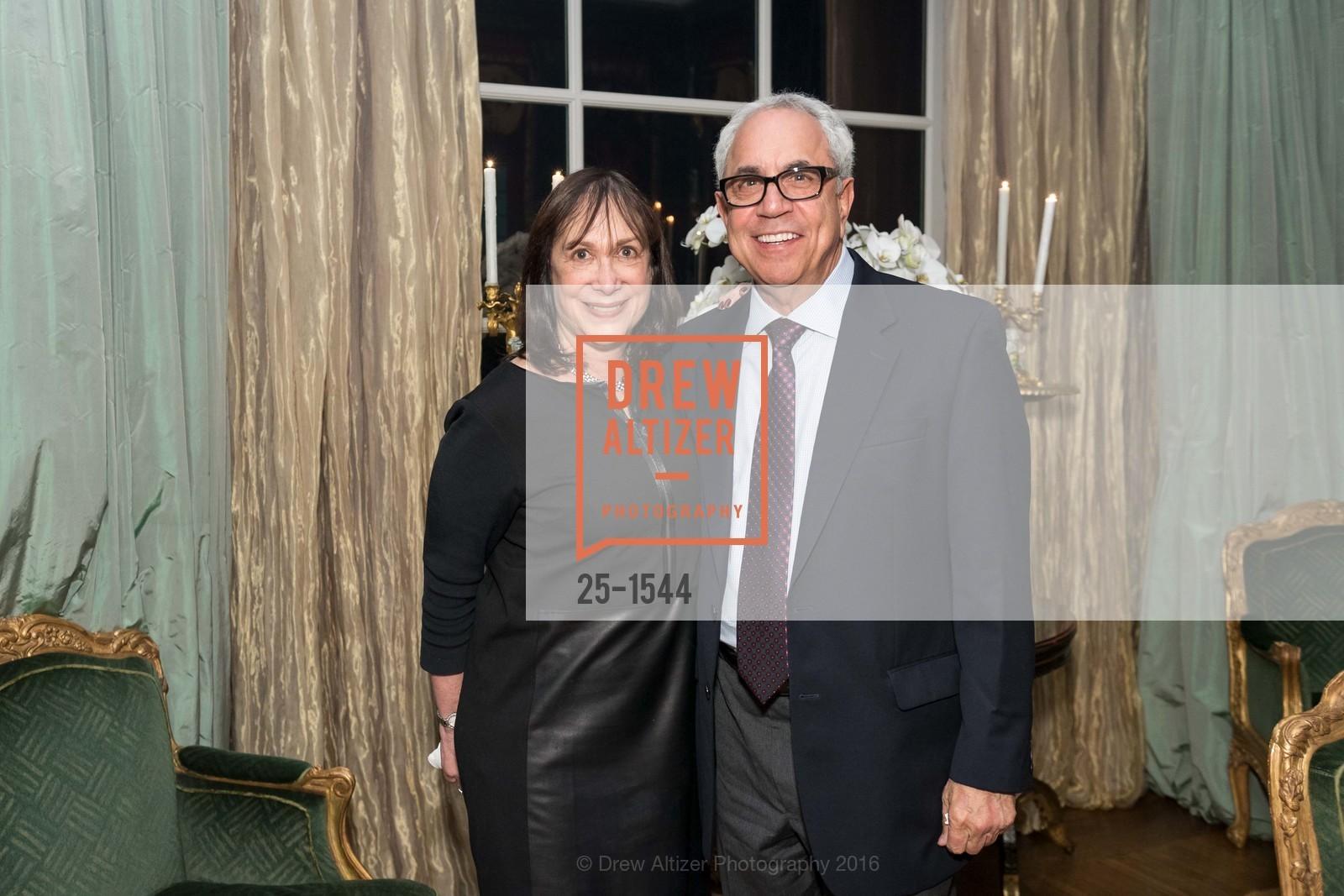 Diane Snedaker, Glenn Gerson, Photo #25-1544