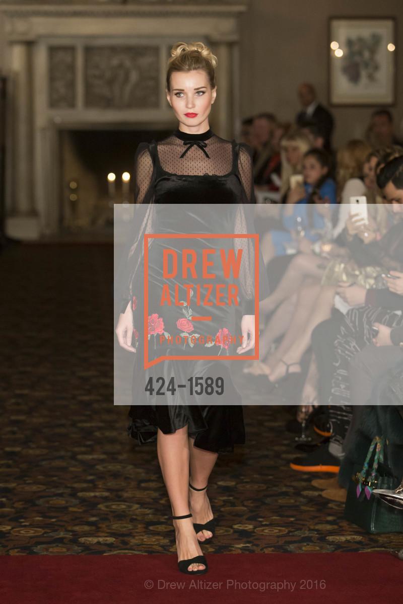 Fashion Show, Photo #424-1589