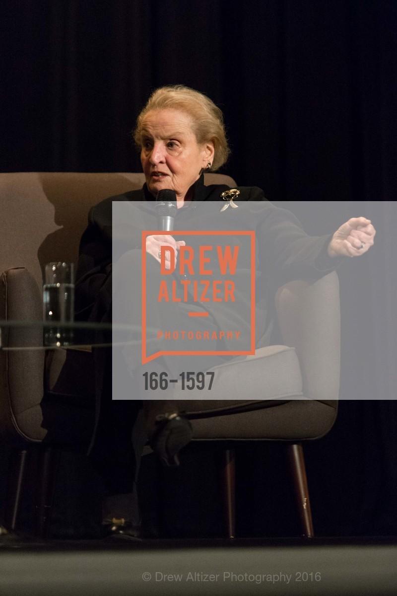 Madeleine Albright, Photo #166-1597