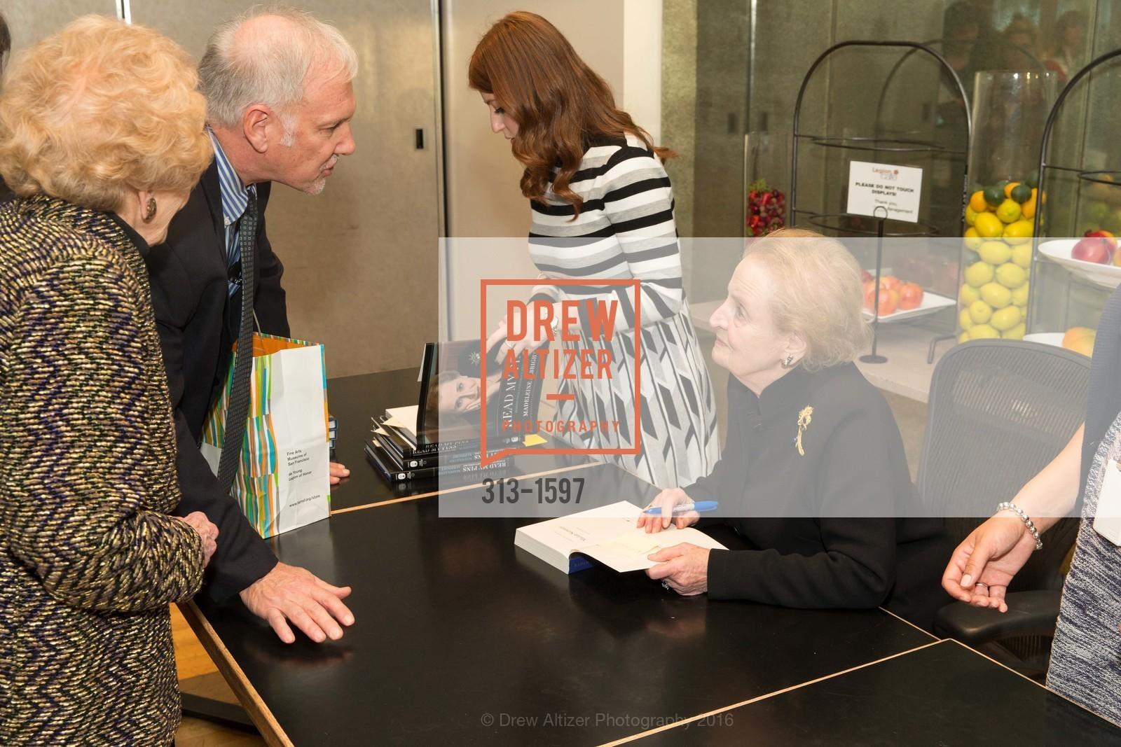 Madeleine Albright, Photo #313-1597