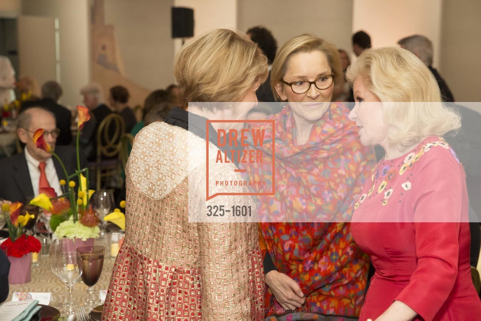 Dagmar Dolby, Ursula Hess, Dede Wilsey, Photo #325-1601