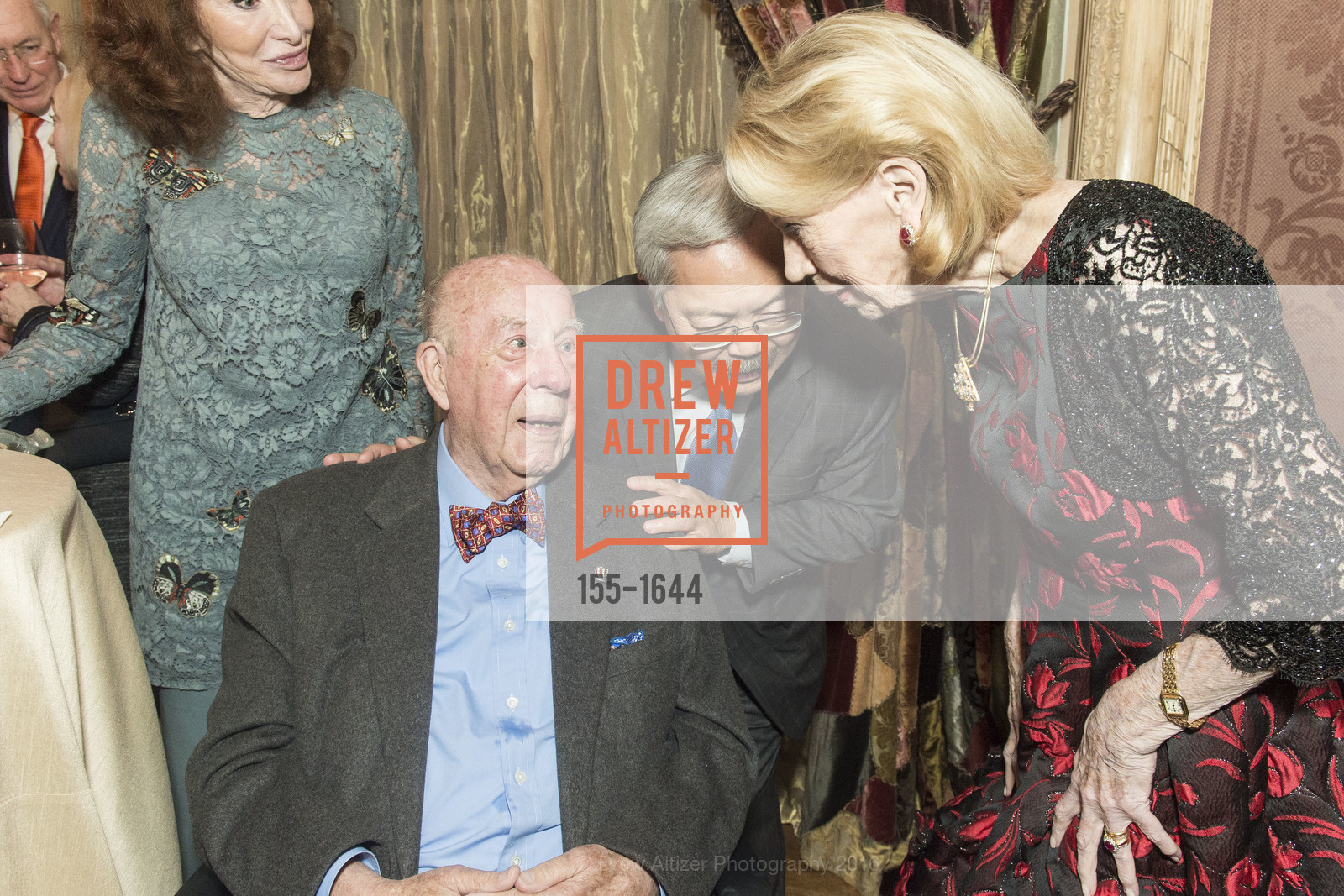 George Shultz, Ed Lee, Charlotte Shultz, Photo #155-1644