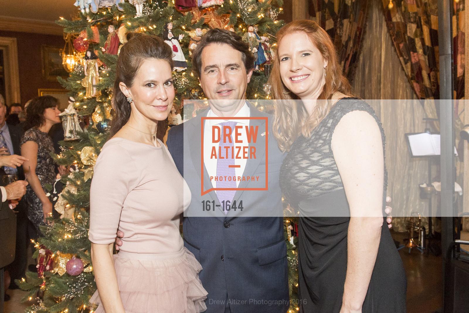Heather Mathias, Christian McAllen, Lynne McAllen, Ann and Gordon Getty Host the San Francisco Mayor's Office of Protocol Christmas Party, Private Residence. 2525 Van Ness St, December 8th, 2016