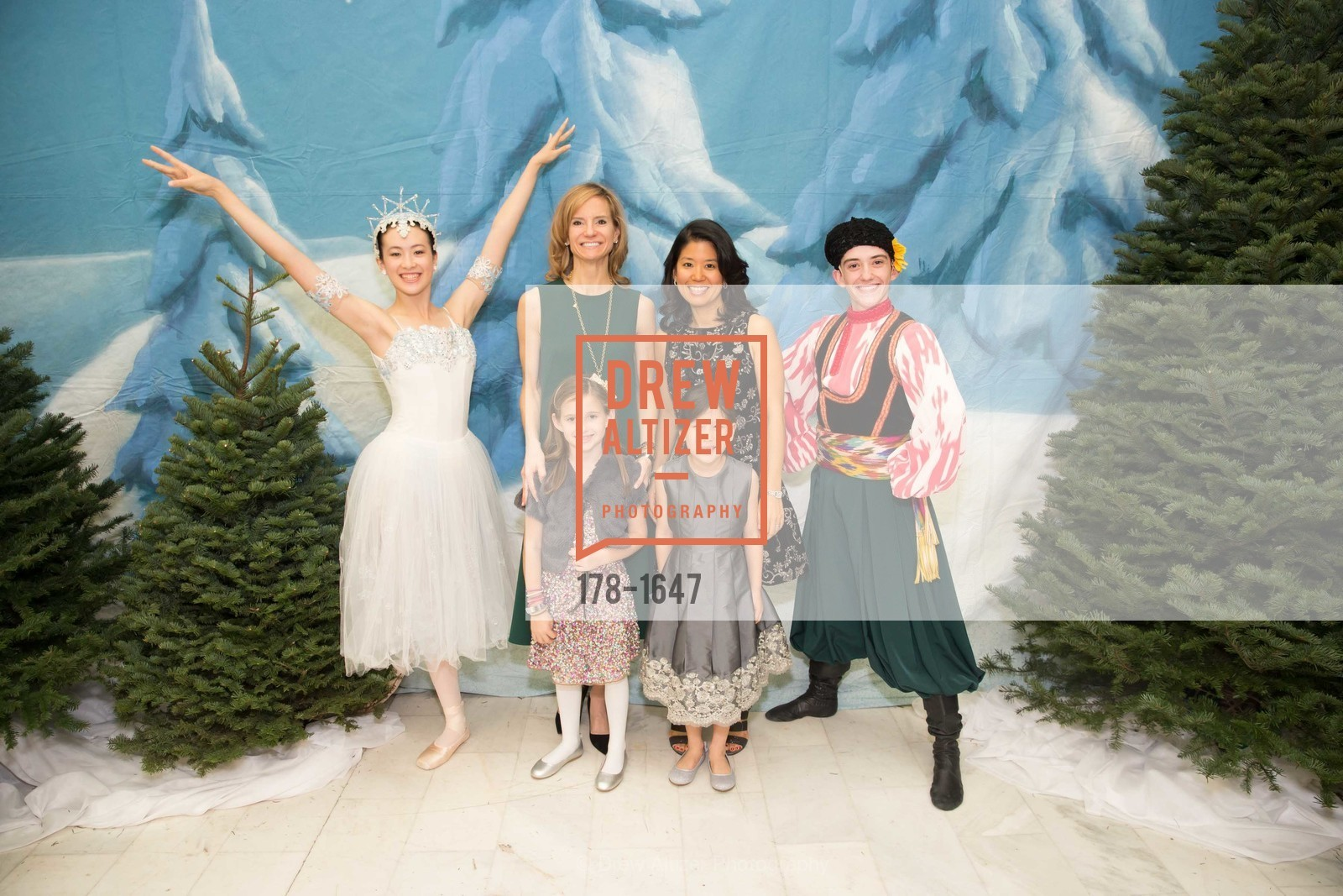 Anne-Marie Peterson, Caroline Peterson, Tomoko Fortune, Aiko Fortune, SF Ballet's Nutcracker Luncheon, City Hall & War Memorial Opera House. 301 Van Ness Ave, San Francisco, CA 94109, December 11th, 2016