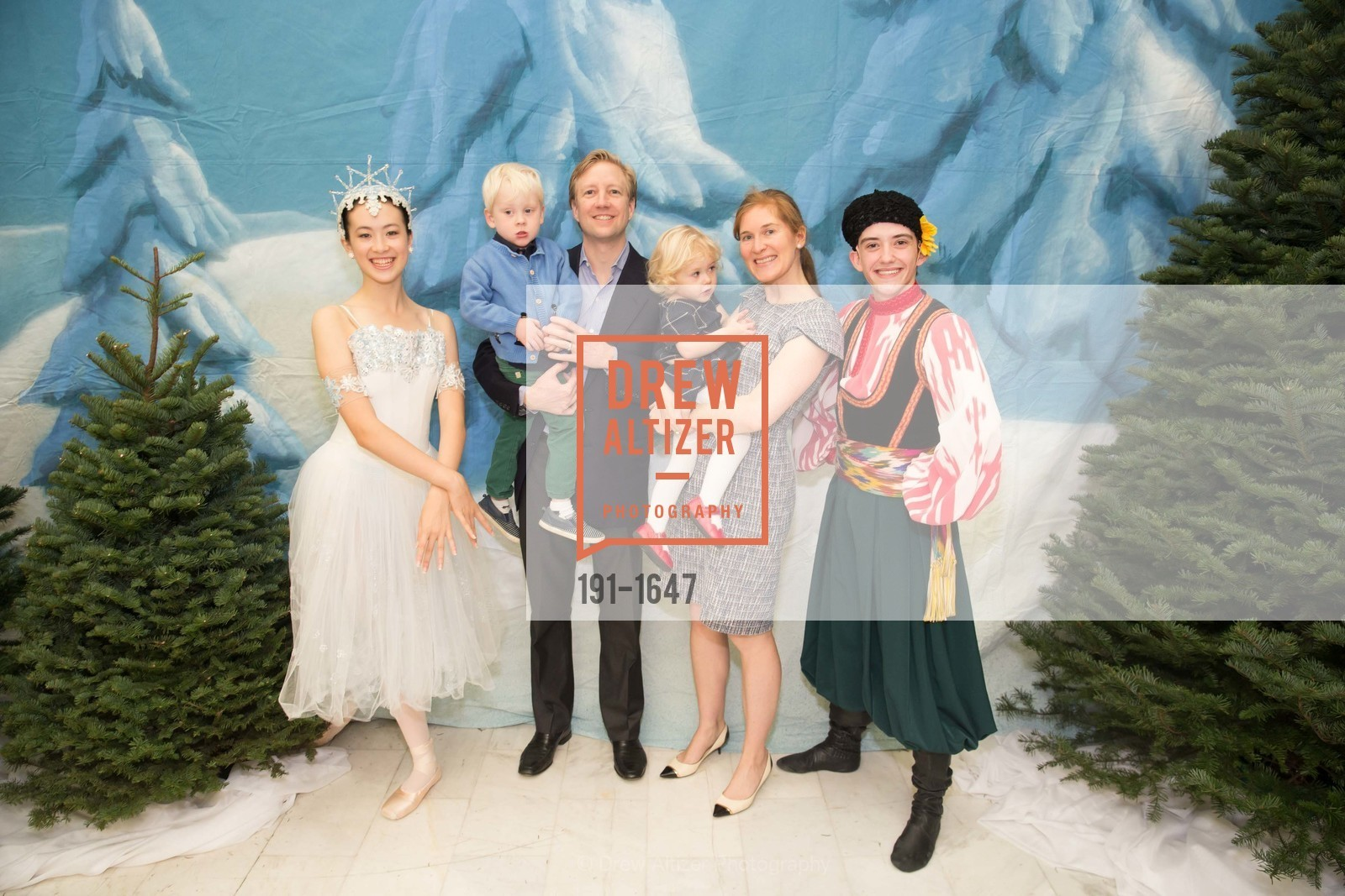 William Thompson, Brant Thompson, Olivia Rose Thompson, Anna Thompson, SF Ballet's Nutcracker Luncheon, City Hall & War Memorial Opera House. 301 Van Ness Ave, San Francisco, CA 94109, December 11th, 2016