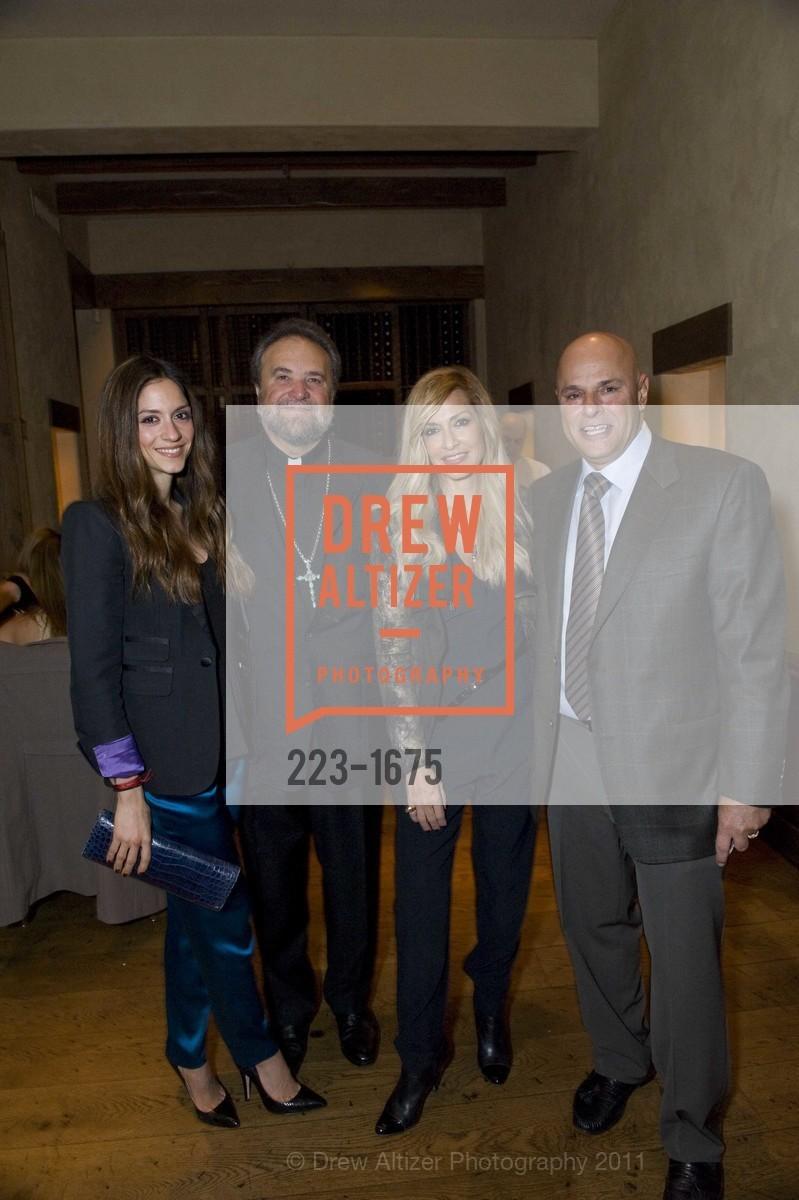 Sofia Karvela, Father John Bakas, Anna Vissi, Tony Saris, Photo #223-1675