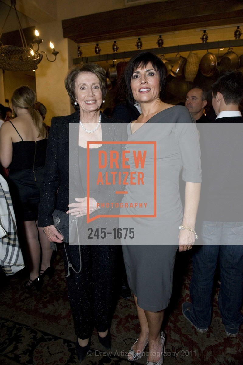 Nancy Pelosi, Joan Dauris, Photo #245-1675