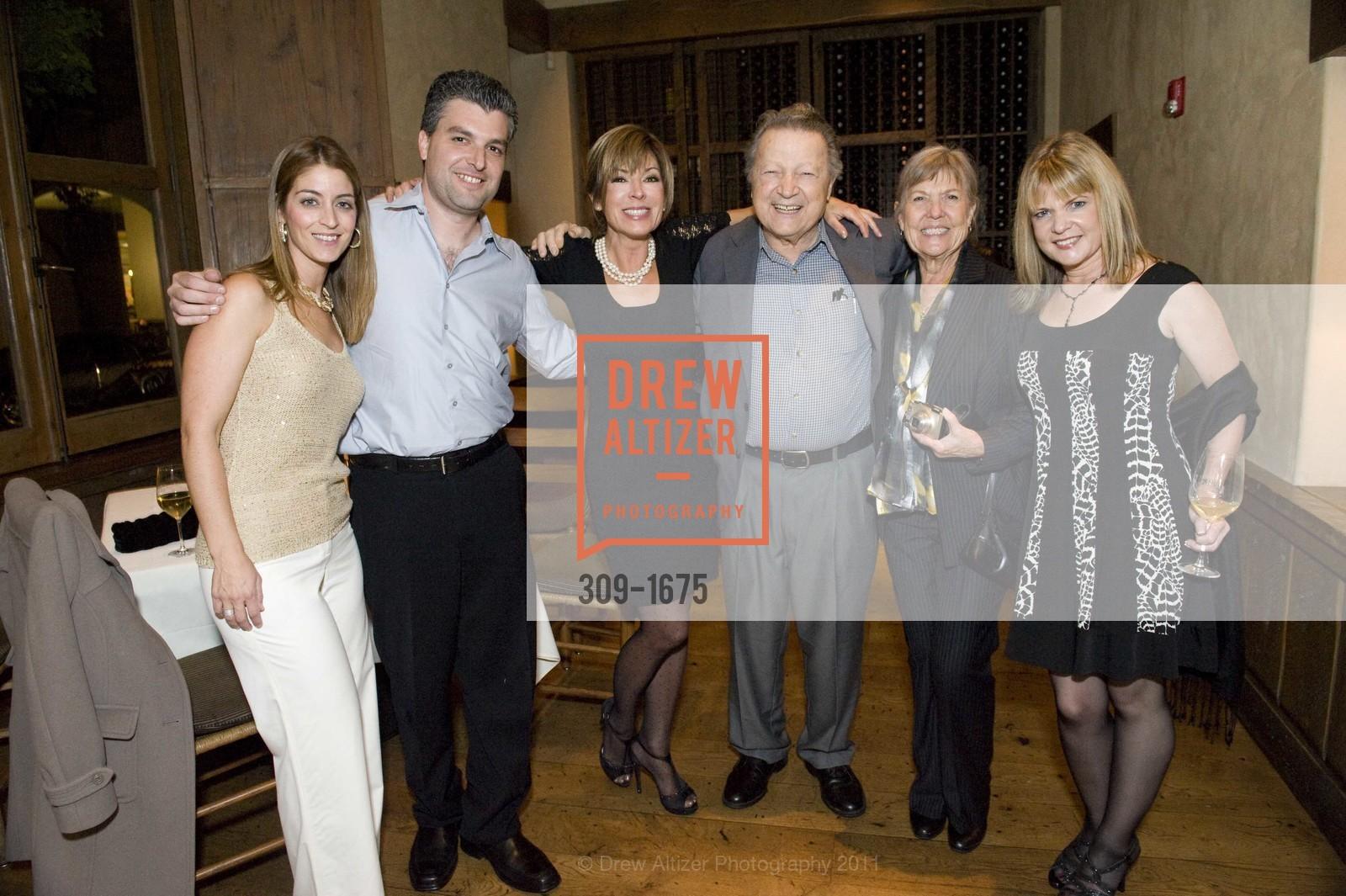 Vicki Liviakis, Louie Gundunas, Peggy Jo Gundunas, Susan Gundunas, Photo #309-1675
