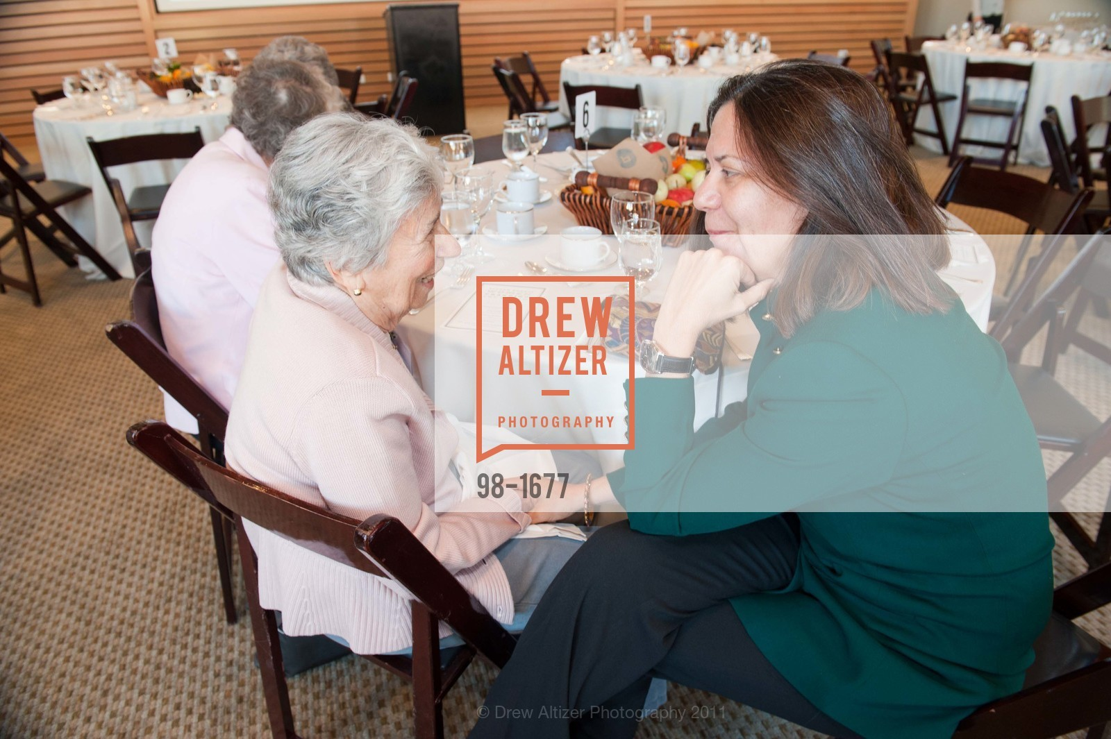 Phyllis Friedman, Sandra Hernandez, Photo #98-1677