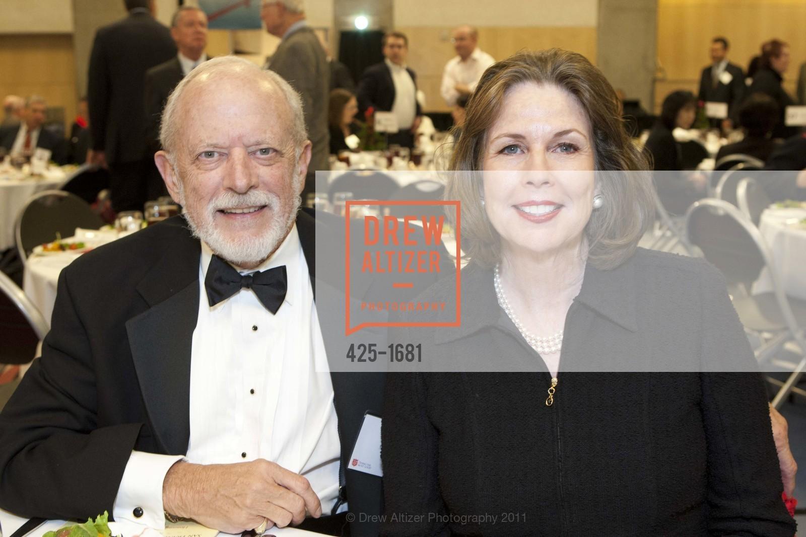 Dick Martin, Nancy Nebeker, Photo #425-1681