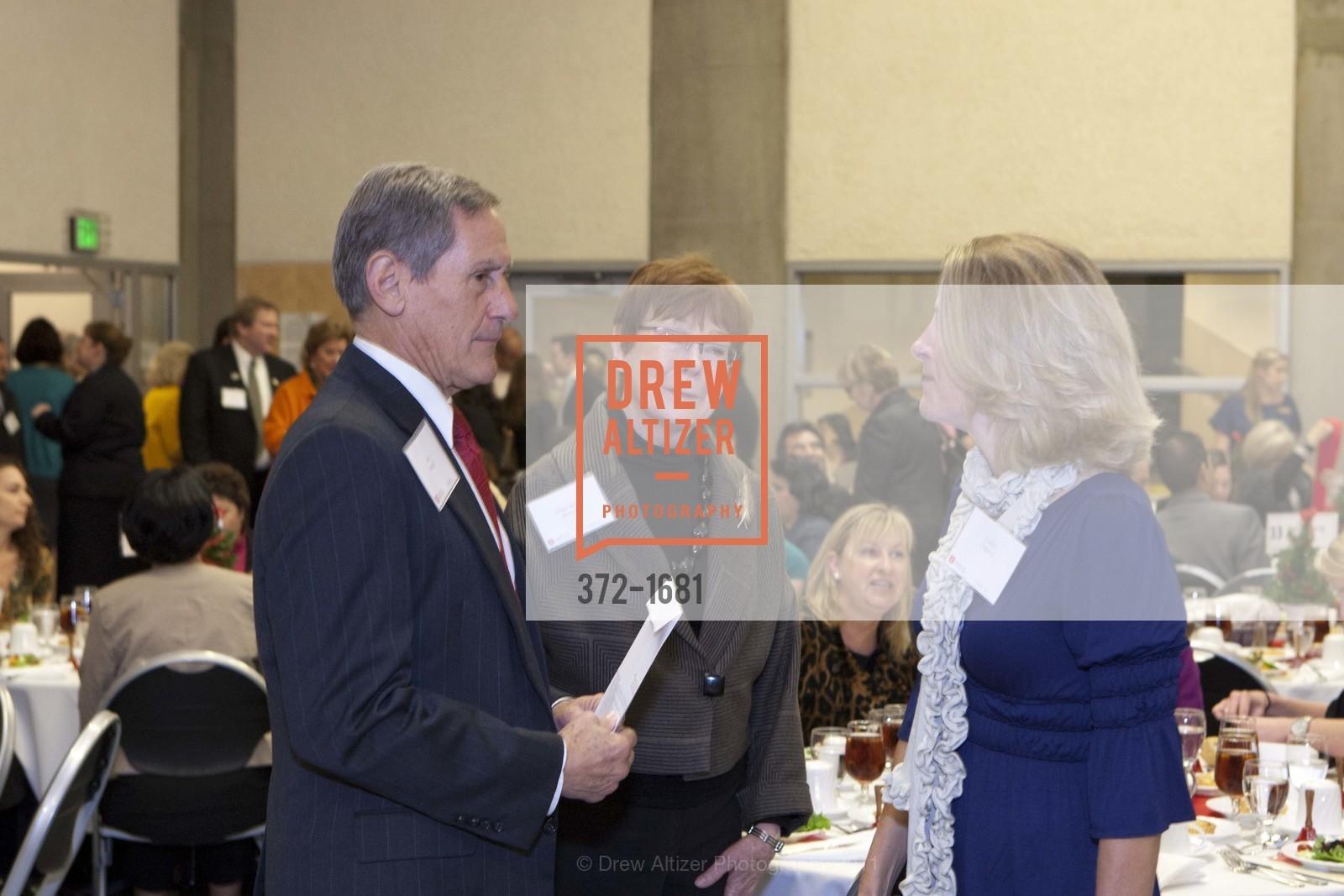 Bob Starzel, Mary Beth Starzel, Cathy Osgood, Photo #372-1681