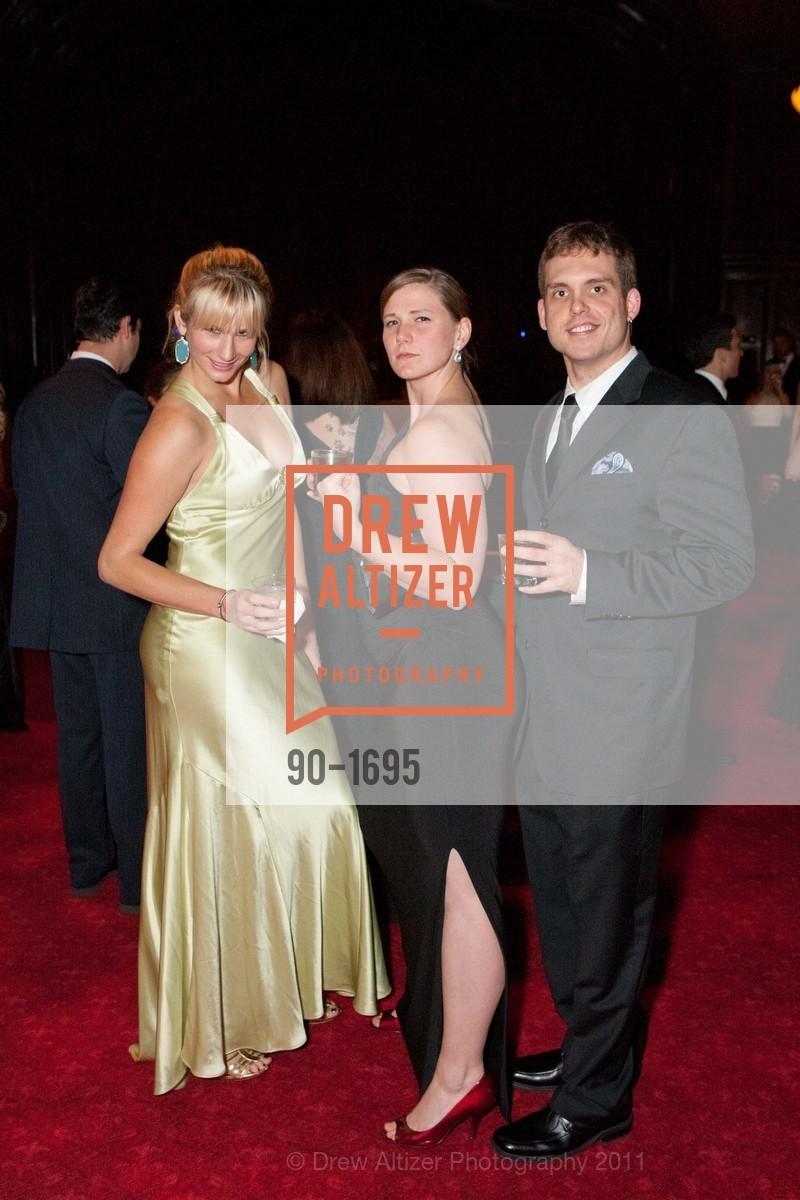 Danielle Schraner, Analisa Lono, Adam McLennan, Photo #90-1695
